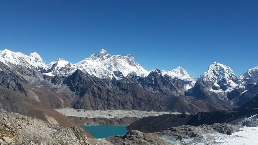 Clear Weather in Everest during Autumn season