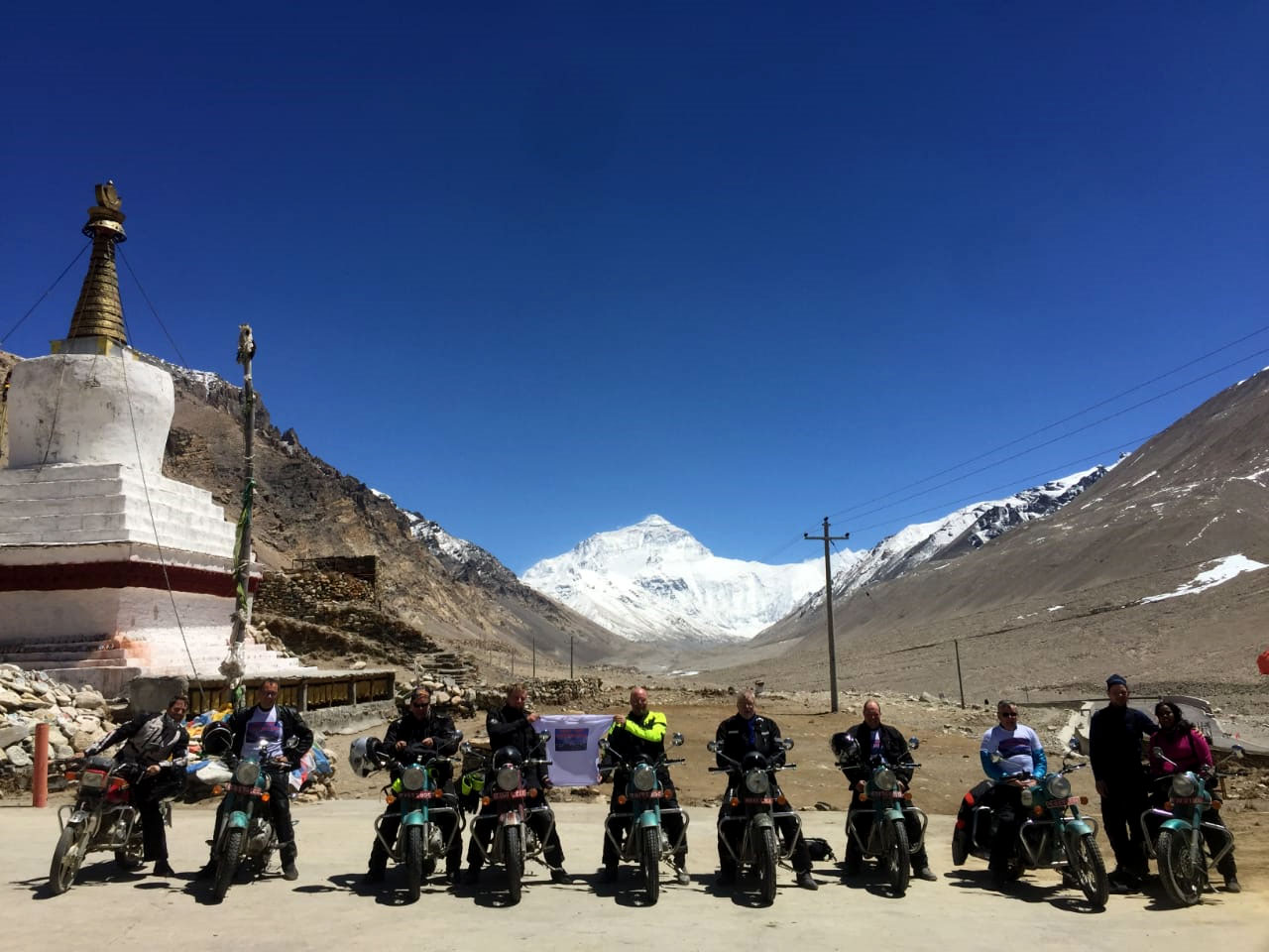 riders-in-Everest-base-camp