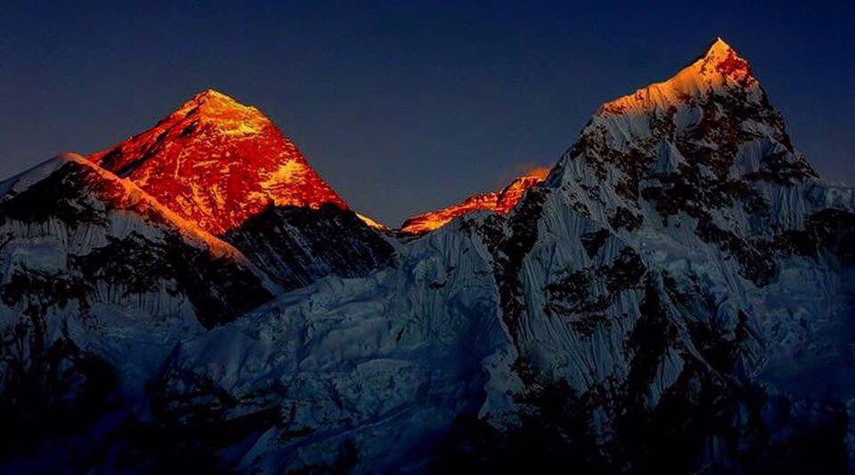 Sunset view of Mount Everest from Kalapathar