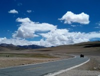 Comfirtable road in Tibet to motorbike